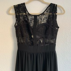 NWT BCBGeneration BLACK LACE LONG GOWN, SIZE 2